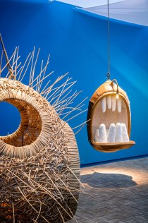 mouth-chairs-hanging-monstera-deliciosa-porky-hefer-6